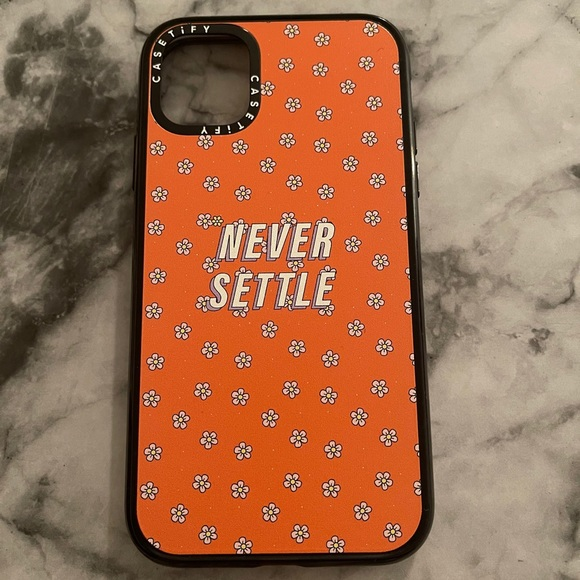 'Never Settle' Casetify Case